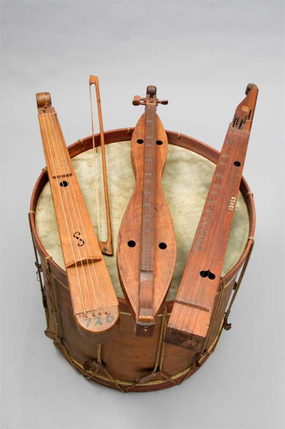 The Zithers of the Pennsylvania Germans   Zither US